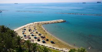 利馬索爾假日酒店 - 利馬索 - 利馬索爾 - 海灘
