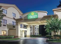 La Quinta Inn & Suites by Wyndham Jackson Airport - Pearl - Building