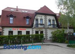 Prohibicja Peter's Pub - Mikołajki - Building