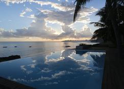 Kirimizi Hotel & Restaurante - Pemba - Pool