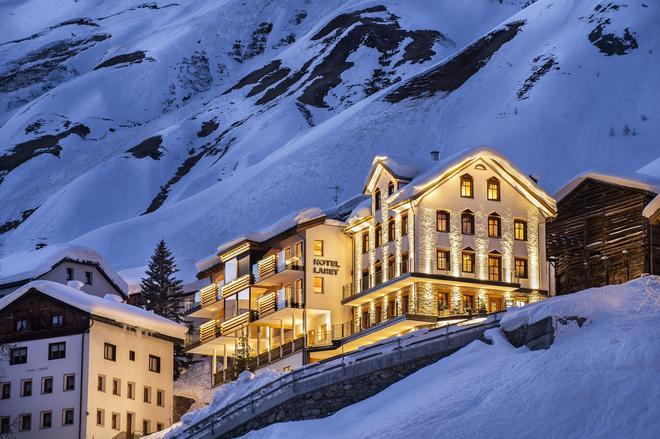 Boutique Hotel Laret - Samnaun - Κτίριο