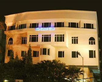 The Central Court Hotel - Hyderabad - Building