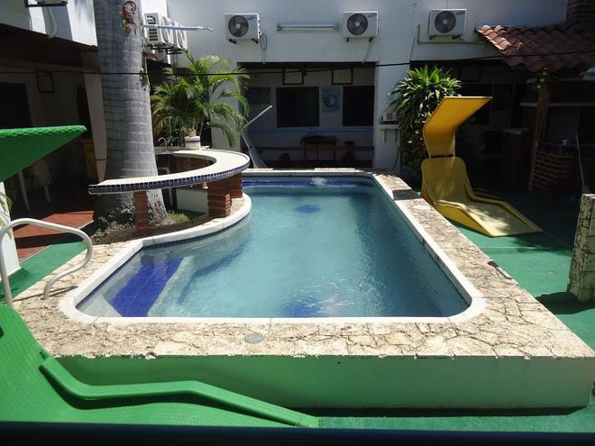 ホテル ヌエバ グラナダ - サンタ・マルタ - プール