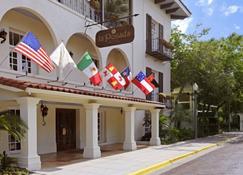 La Posada Hotel - Laredo - Rakennus