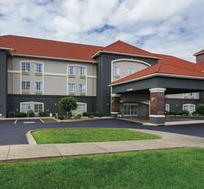 La Quinta Inn & Suites by Wyndham Bowling Green