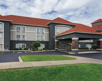La Quinta Inn & Suites by Wyndham Bowling Green - Bowling Green - Building