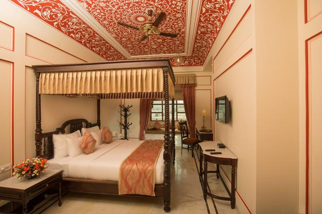 Umaid Haveli Hotel & Resorts - Jaipur - Bedroom