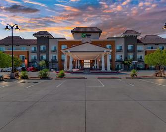 Holiday Inn Express Hotel & Suites Banning - Banning - Gebäude