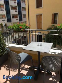 Hotel Villa Venezia - Grado - Balcony
