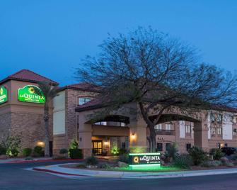 La Quinta Inn & Suites by Wyndham Las Vegas Airport South - Las Vegas - Building