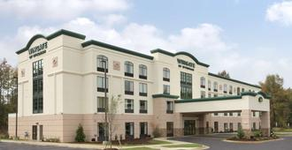 Wingate by Wyndham State Arena Raleigh/Cary - Raleigh - Building
