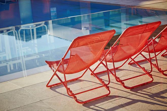 Kyriad Prestige Lyon Est - Saint Priest Eurexpo Hotel And Spa - Saint-Priest - Pool
