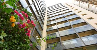 Ramada by Wyndham Downtown Beirut - Beirut - Building