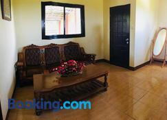 Affordable La Union - Caba - Living room