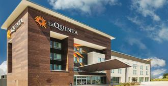 La Quinta Inn & Suites by Wyndham Wichita Northeast - וויצי'טה