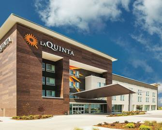 La Quinta Inn & Suites by Wyndham Wichita Northeast - Wichita - Gebäude