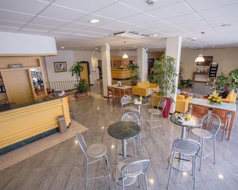 Euro Hotel - Cascina - Lobby