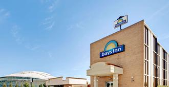 817 Hotel Days Inn By Wyndham Att Stadium/Texas Live - Arlington - Gebäude