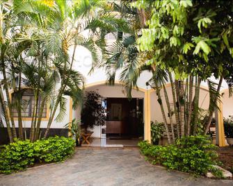 Hotel Santa Catarina - Três Lagoas - Venkovní prostory