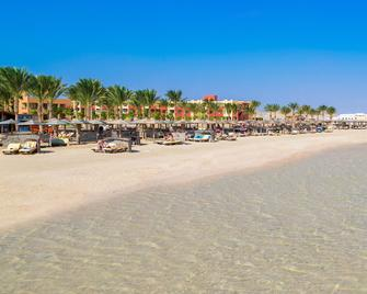 Royal Tulip Beach Resort - Port el Ghalib - Beach