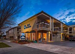 Best Western University Lodge - Davis - Rakennus