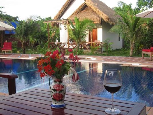 Darica Resort - Kep - Bể bơi