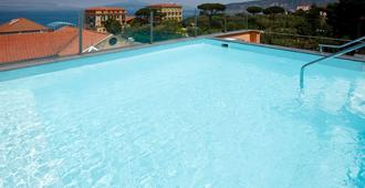 Hotel Palazzo Guardati - Sorrent - Pool