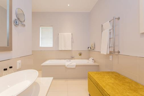 Fancourt - George - Bathroom