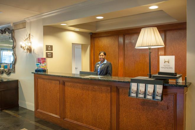 Hampton Inn New Orleans-St. Charles Ave./Garden District, LA - Nueva Orleans - Recepción