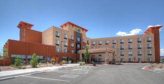 Holiday Inn Express & Suites Albuquerque Historic Old Town - Albuquerque - Building