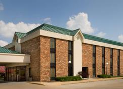 Pear Tree Inn St. Louis Fenton - Fenton - Building