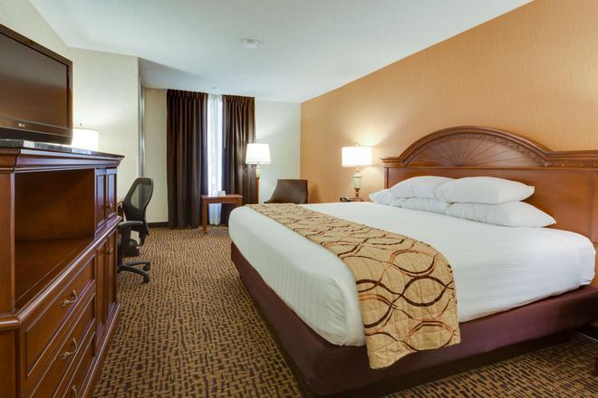 Pear Tree Inn St. Louis Fenton - Fenton - Bedroom