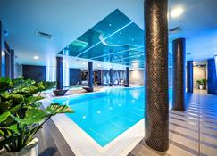 Wellton Riverside Spa Hotel - Riga - Piscina