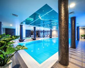Wellton Riverside Spa Hotel - Riga - Bazén