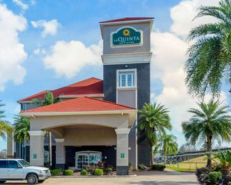 La Quinta Inn & Suites by Wyndham Lake Charles Casino Area - Lake Charles - Building