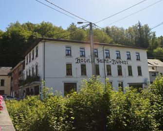 Hotel Le Saint-Hubert - Saint-Hubert - Building