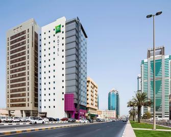 ibis Styles Sharjah - Sharjah - Building
