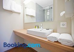 Sebcity Hotel - Ellwangen - Bathroom