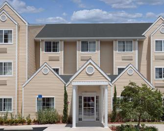Microtel Inn & Suites by Wyndham Leesburg/Mt Dora - Leesburg - Gebäude