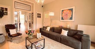 Beautiful + Big Family House Near Amsterdam, City Center Haarlem + Sea - Haarlem - Sala de estar