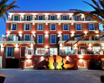 Boutique Hotel Liberata - L'Île-Rousse - Gebouw