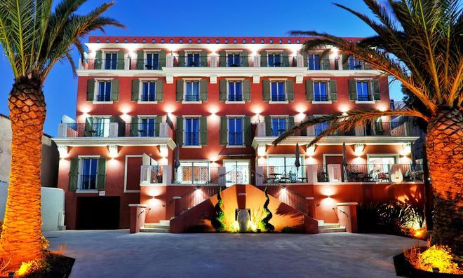 Boutique Hotel Liberata - L'Île-Rousse - Building