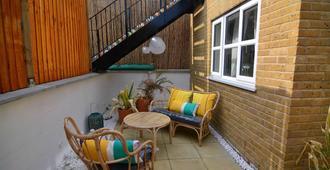 Macarena Wharf Apartments - Λονδίνο - Βεράντα