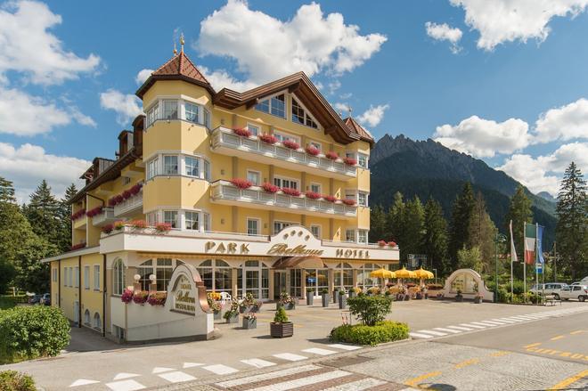 Park Hotel Bellevue - Dobbiaco/Toblach - Rakennus