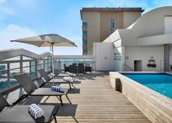 Protea Hotel by Marriott Durban Umhlanga - Umhlanga - Basen