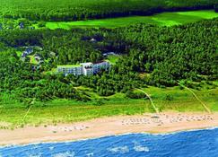 Strandhotel Fischland - Ostseebad Dierhagen - Extérieur