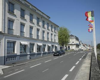 Best Western Adagio - Сомюр - Building