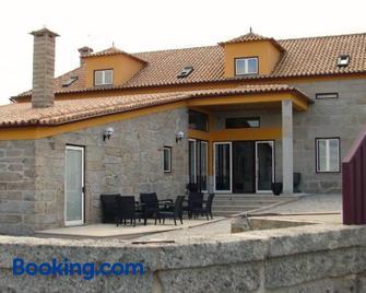 Casa do Lagar de Tazem - Pinhanços - Building