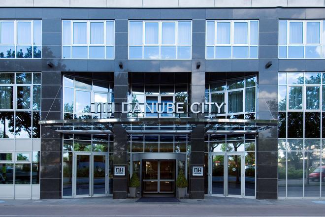 NH Danube City - Vienna - Building