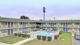 Motel 6 San Marcos Tx - Сан-Маркос - Здание